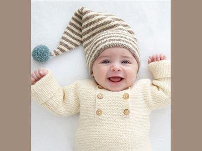 Trop chou cette brassière en alpaga pour votre bébé cet hiver ! Tricotée de la taille préma à 6 mois, elle le gardera bien au chaud. Et grâce à son ouverture avec boutons sur le devant, elle sera facile à enfiler.