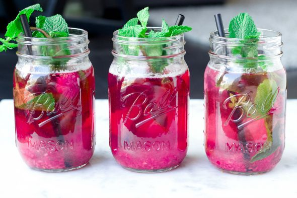 I Love Health | Healthy lemonade with raspberry and mint recipe by Sanne from http://www.livingthegreenlife.n| http://www.ilovehealth.nl