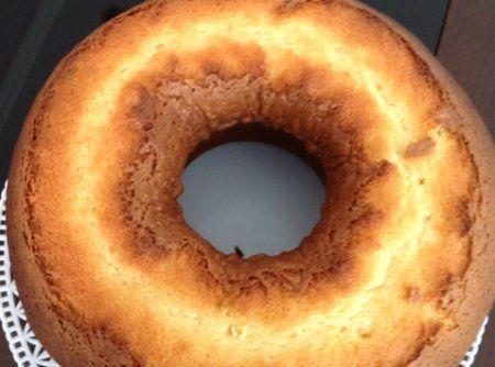 Bolo caçarola italiana da padaria dona deôla - Veja mais em: http://www.cybercook.com.br/receita-de-bolo-cacarola-italiana-da-padaria-dona-deola.html?codigo=47912