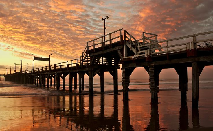 Amanecer en el muelle by Coco PQZ on 500px