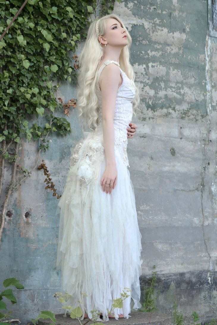 white fairy eisblonde haare eisblond fotoideen