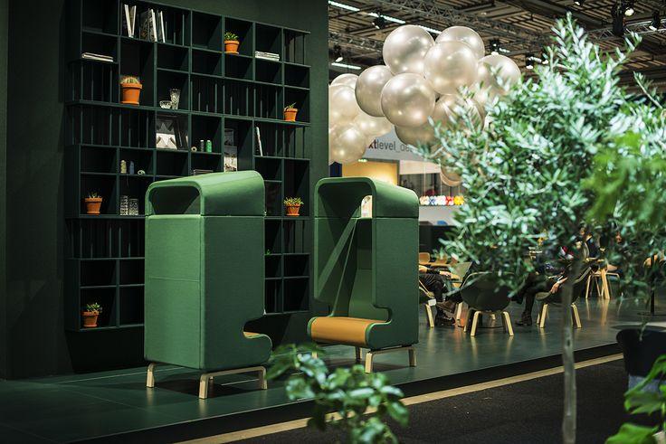 Point easy chair, design: Fredrik Mattson | Modulo magazine holder, design: Jesper Ståhl