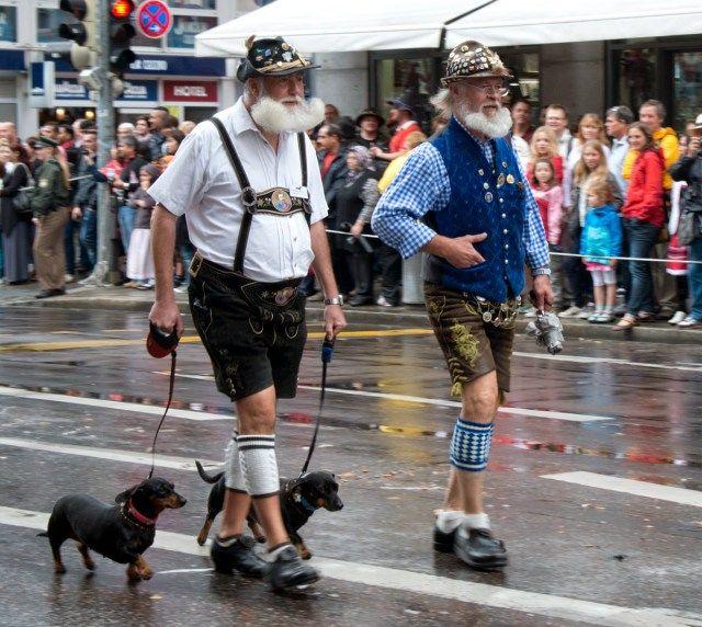 Oktoberfest Opening Procession 2014 (Einzug der Wiesnwirte)   A Travel for Taste