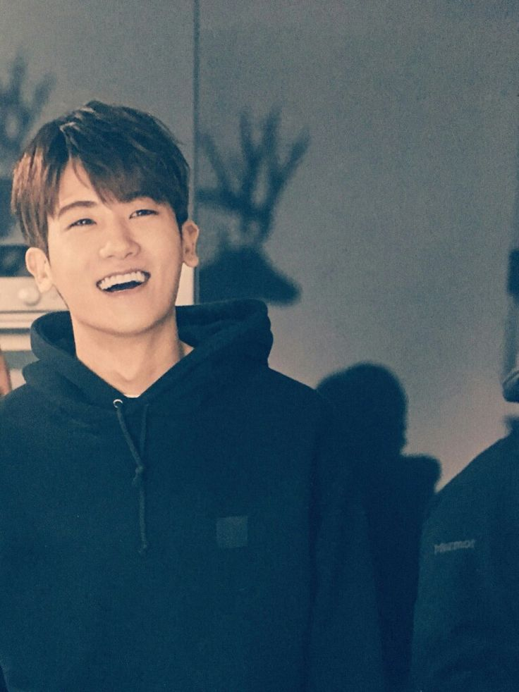 Park Hyung Sik has a great laugh.
