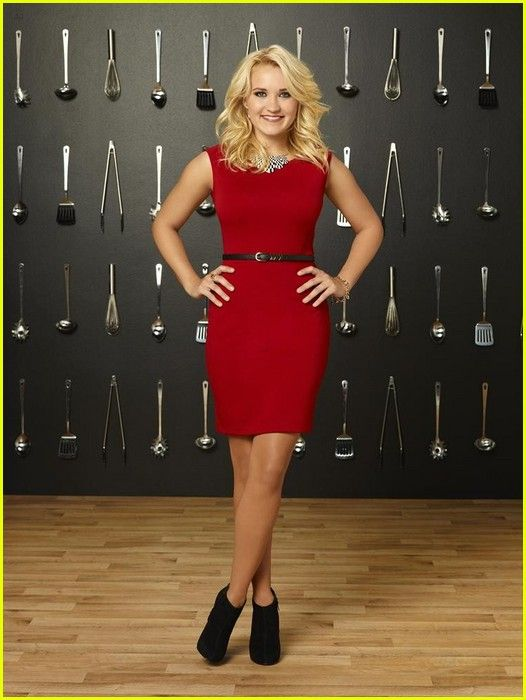 emily osment young and hungry | zzz's next to Emily Osment in this new shot from the Young  Hungry ...