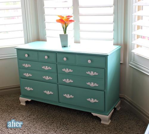 aqua painted dresserPainting Furniture, Aqua Painting, Bedroom Furniture, Alternative Colors, Painted Dressers, Furniture Ideas, Bedrooms Furniture, Painting Dressers, Blue And White