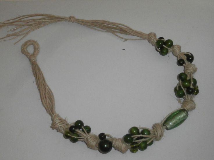 TUORIAL per una collana fai-da-te in spago di canapa e perle verdi in vetro e legno.MOLTO CHIARO CON FOTO DI OGNI PASSAGGIO.