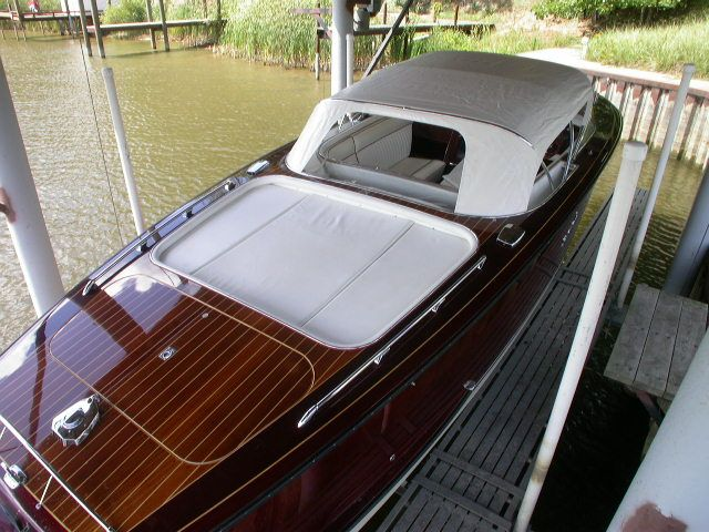 2001 Boesch 680 Costa Brava 24 foot boat with Mercruiser V-8. Sweet design and classy look!