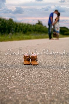 Maternity Session. www.livelaughluvphotography.com. Sunflower field, pregnant, love, marriage, Michigan