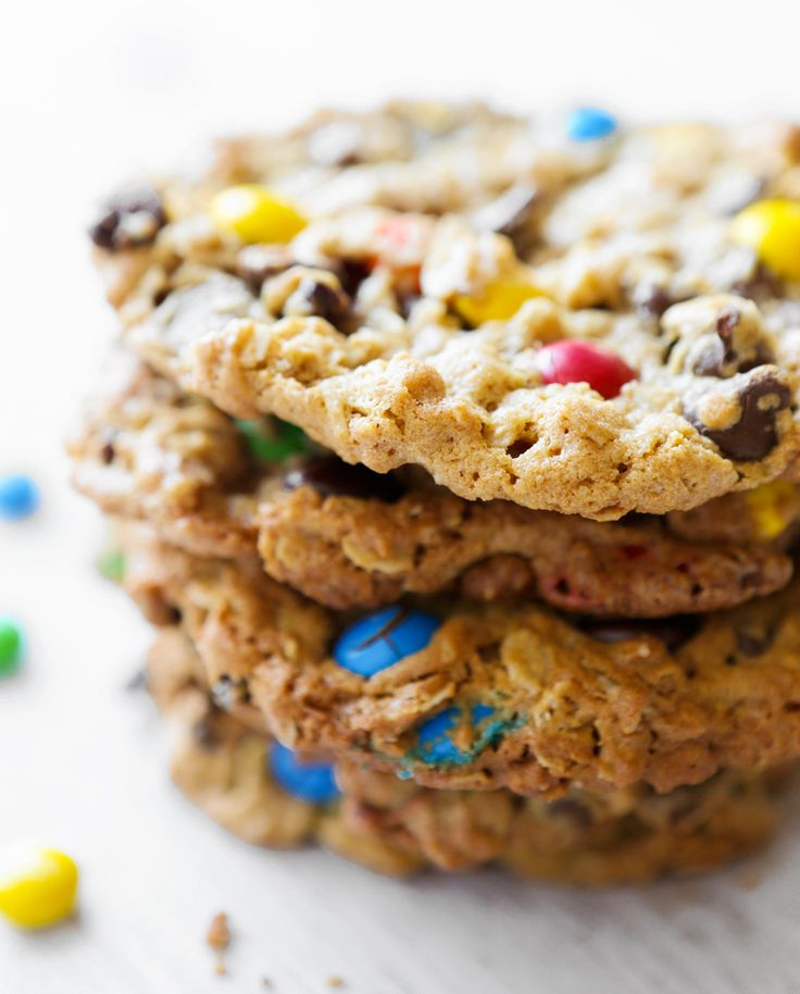 I'm bursting with excitement about the things I have to share! A $100 Visa  gift card is up for grabs (read on!), there is a fresh, exciting way to  view my favorite childhood show (Sesame Street!) and in honor of the good  ol'Cookie Monster, I will share a cookie recipe that is TOTALLY  IRRESI