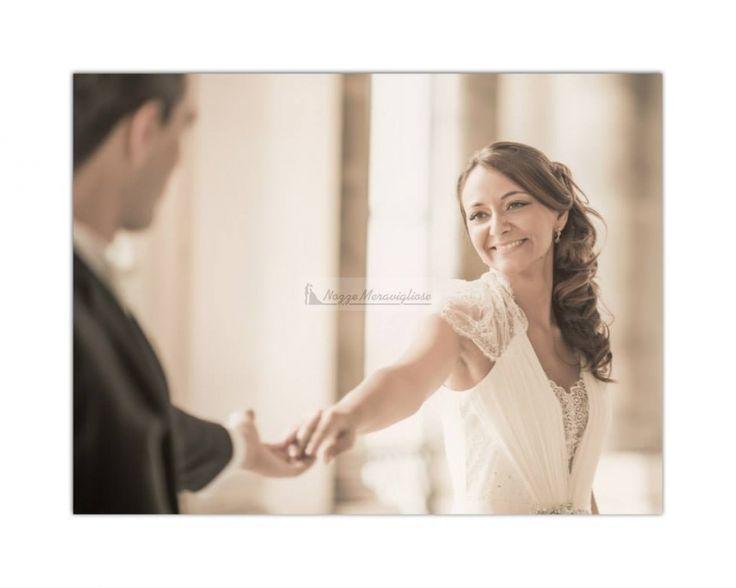 Ti guardo e sono felice! sposi, sorrisi, felicità  http://www.nozzemeravigliose.it/matrimonio/fotografo/napoli/dario-averardi-fotografo/380