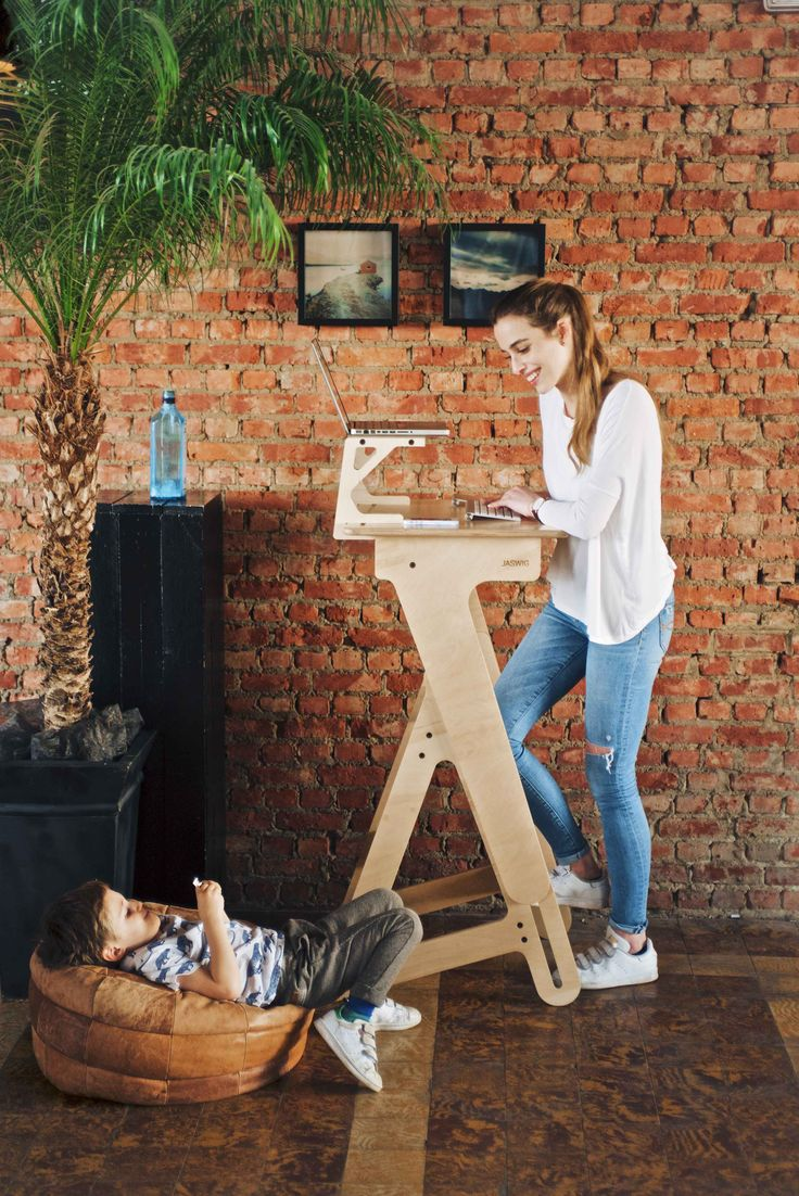Jaswig Standing Desks. Easily Height-Adjustable & Compact. Fits Perfectly in Your Active Life. Made Locally in the USA from Sustainable Materials!