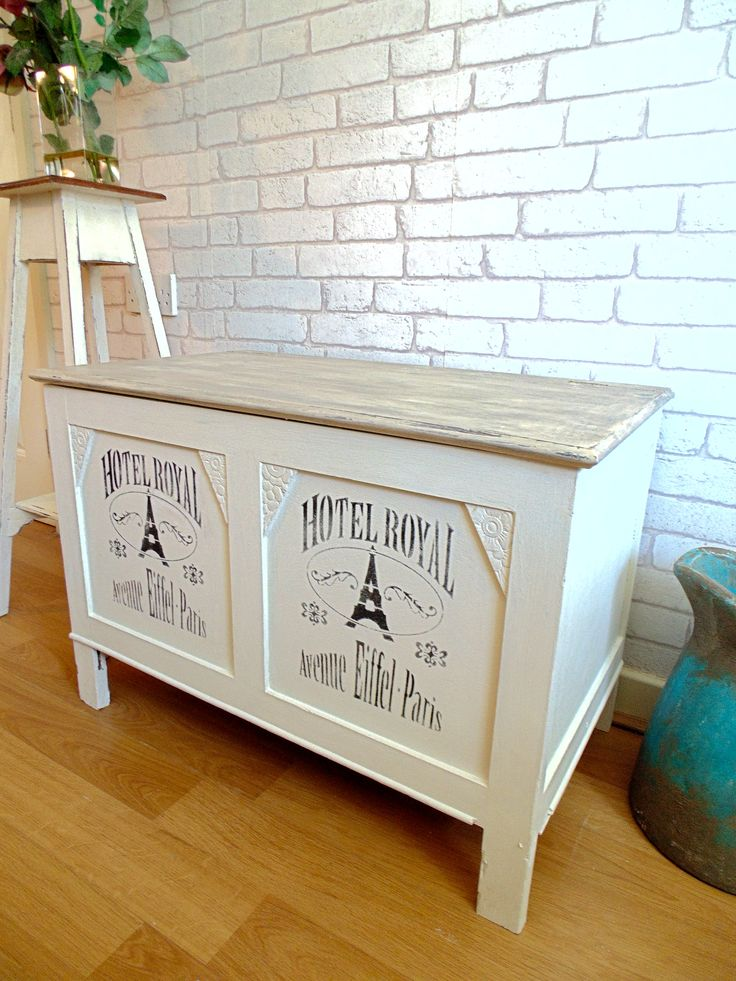 Gorgeous Blanket Box/Coffee Table Painted in Annie Sloan Old White with Faux Wood Painted Lid. Stencilled with French Style Stencils and Clear Waxed.