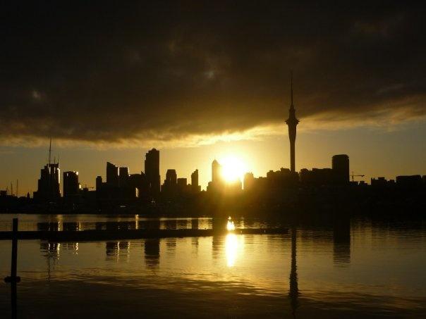 Auckland sunrise from Westhaven Marina @pilaricke