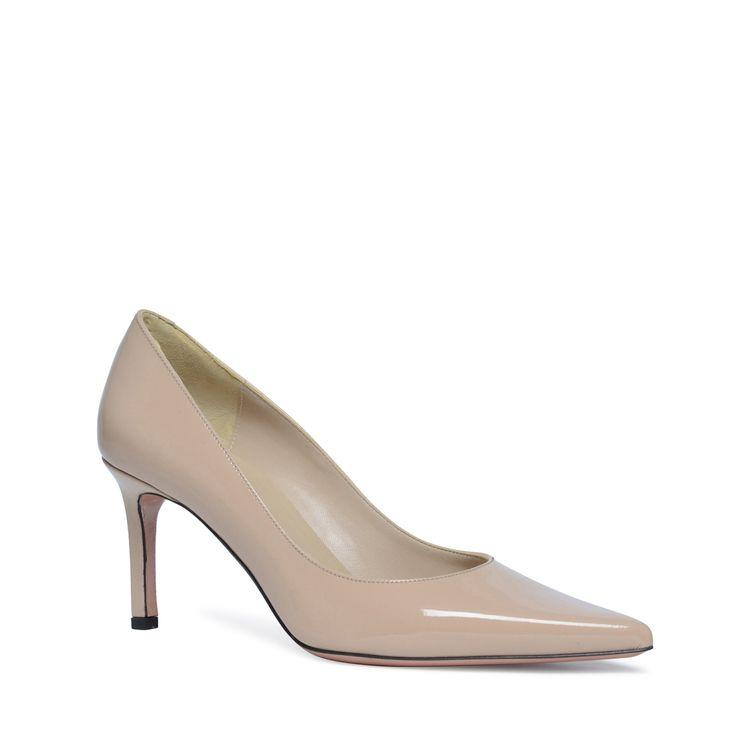 Lichtroze pumps lakleer  Description: Pumps horen in elke schoenencollectie thuis! Deze lichtroze pumps van het merk Manfield zijn aan de buitenzijde van lakleer en de aan de binnenzijde van leer. Door de spitse neus hebben de pumps een klassieke en vrouwelijke uitstraling. De maat valt normaal en de hakhoogte is 75 cm gemeten vanaf de hiel.  Price: 90.99  Meer informatie  #manfield