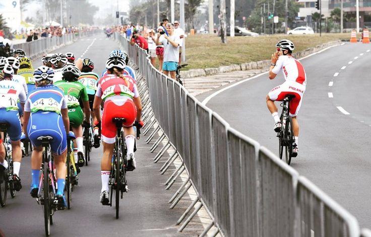 Former world champion michal kwiatek encouraging the women during #cycling #roadrace in #rio2016 in phlow