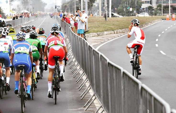 Former world champion michal kwiatek encouraging the women during #cycling #roadrace in #rio2016 in phlow
