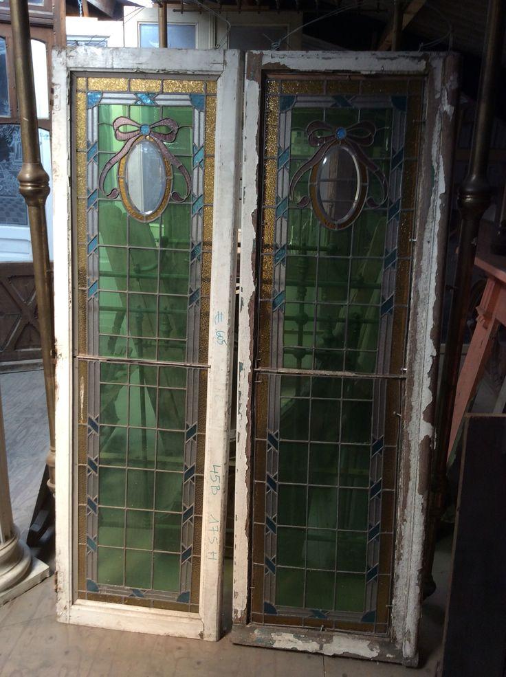 Antieke glazen in loodglas .... Te koop bij Medussa Heist op den berg