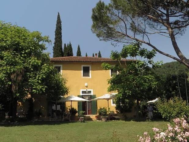 LARCIANO COLLINA, In schitterende omgeving gelegen vrijstaande, rustieke woning. €630000