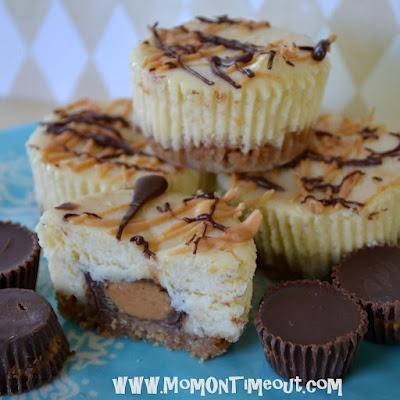 Reese's Mini Cheesecakes - Hell yeah!Minis Cheesecake Recipe, Cups Minis, Reese Peanut, Reese'S Peanut, Mini Cheesecakes, Peanut Butter Cups, Peanut Butter, Mini Cheesecake Recipes, Ree Peanut
