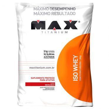 Iso Whey Suplemento Proteico que que auxilia no aumento de massa muscular e força Cada porção fornece 51g Proteína - Morango - 1,8kg - Max Titanium