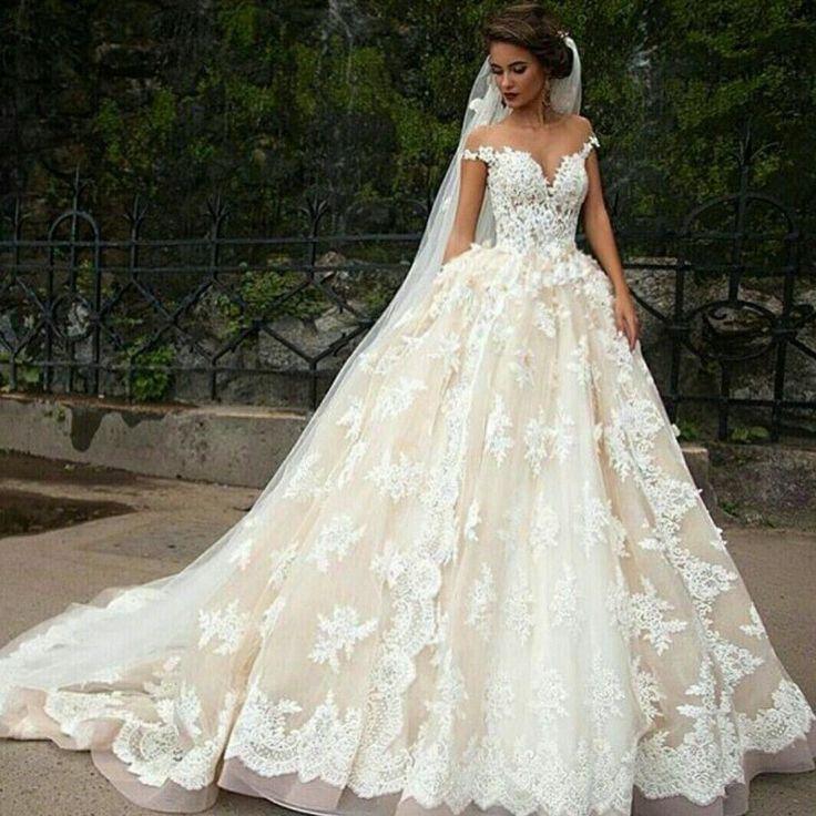 beautiful princess Spaghetti Straps bride wedding dress line with appliques Gown #vestidodenovia | #trajesdenovio | vestidos de novia para gorditas | vestidos de novia cortos http://amzn.to/29aGZWo