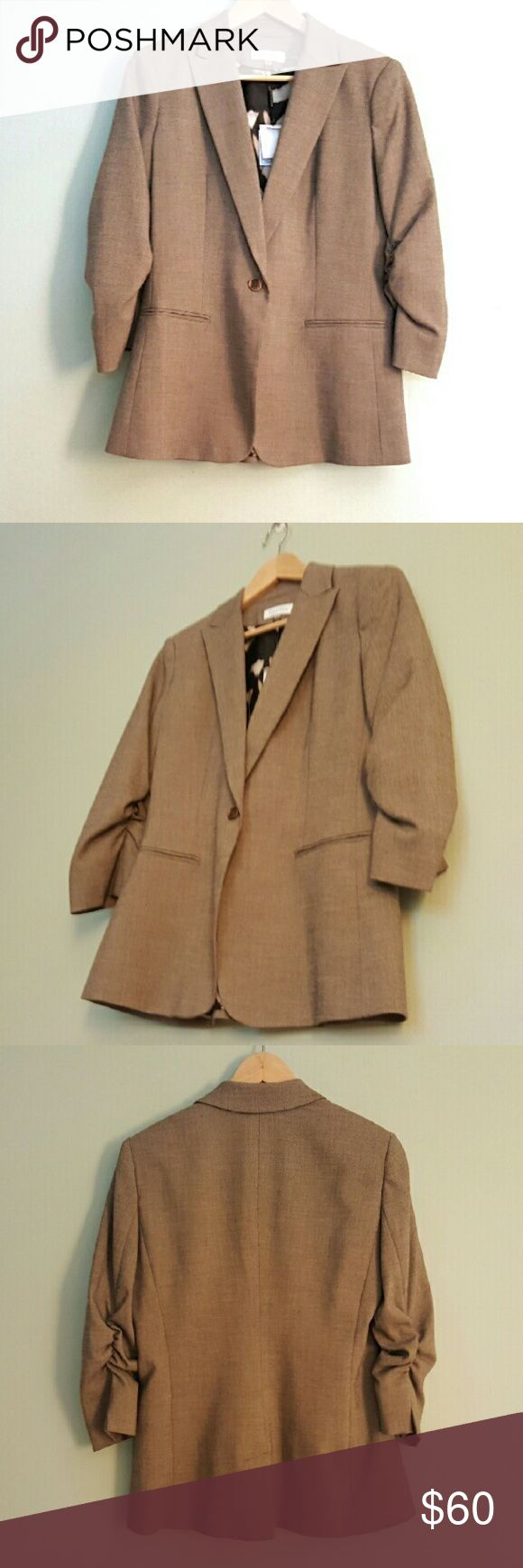 Calvin Klein Tan Ruched Sleeve Boyfriend Jacket 6 This chic blazer features ruched sleeves and a single button. Brand new with tags. Size 6. Calvin Klein Jackets & Coats Blazers