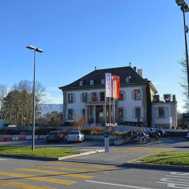 L'EHG  par un beau soleil d'hiver #geneve  #geneva  #lakegeneva #lacleman #restaurant #ehg  #EHGLife#ecole #ecolehoteliere #ecolesuisse #soleil #hotelschool #swisshotelschool #hotellerie #swissriviera #switzerland  #lac #riviera  #genevalake  #visitgeneva  #switzerland #winter  #genevacity #lacleman  #igersuisse  #genevalive #ehgcampus #gastrosuisse #restaurant #hotelmanagementschoolgeneva #hmsg