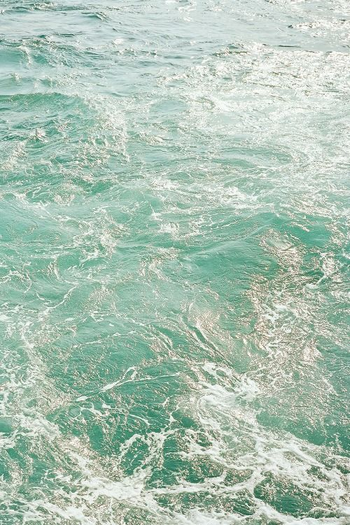 ~ the color of the ocean ~