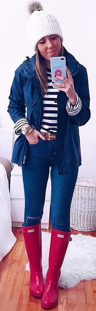 #winter #outfits Días De Chubasquero!   Los Tendría En Todos Los Colores Me Encantan  #buenasnochesbonitas Chubasquero @batela1991 Jersey De @miashop__online Jeans De #hym Botas #hunter . . . . . . #todaywearing #ootd #fashion #style #mystyle #instalook #lotd #mylook #outfit #fashiondiaries #fashiongram #lookoftheday #instadaily #inspiration #fashionstyle #fashionaddict #lookbook #outfitinspo #igstyle #instafashion #wiwt #vsco #vscocam #vscogallery #vscodaily