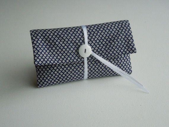 Blague à tabac / Pochette à tabac pratique en tissu japonais bleu nuit motif traditionnel blanc