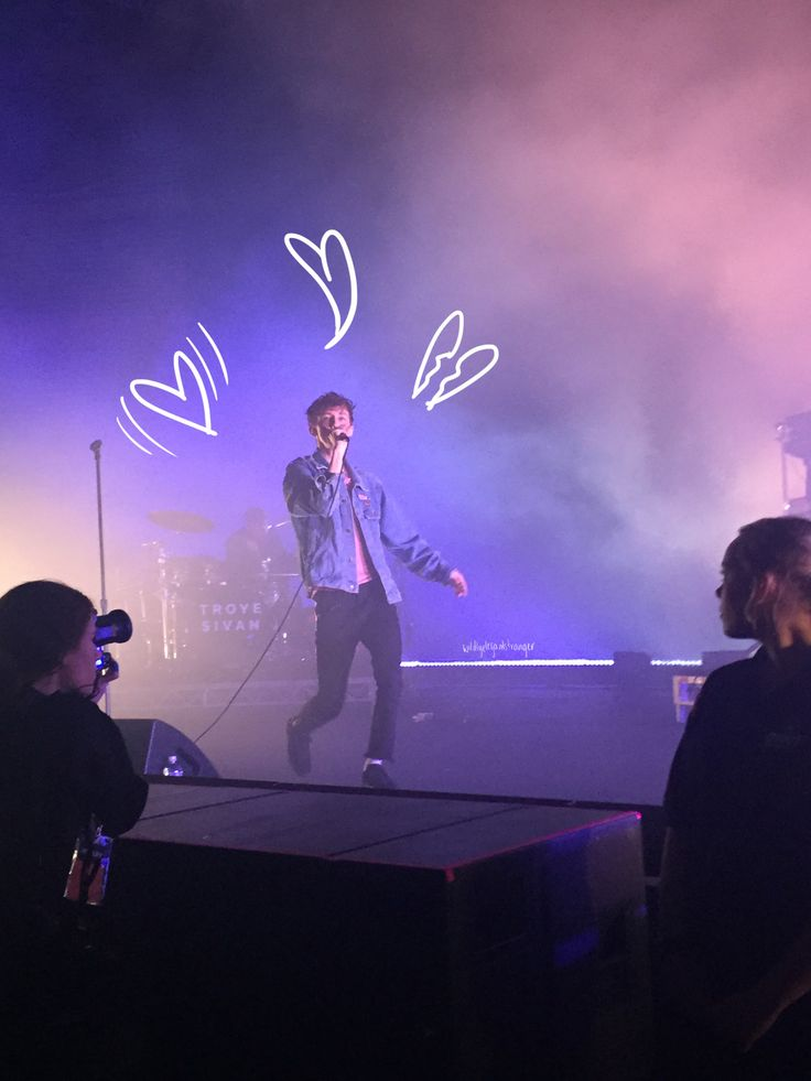 Troye Sivan in Brisbane - was at this concert ahhhh (You make my heart shake,bend and break)