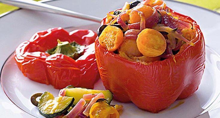 Pimentos recheados com legumes estufados