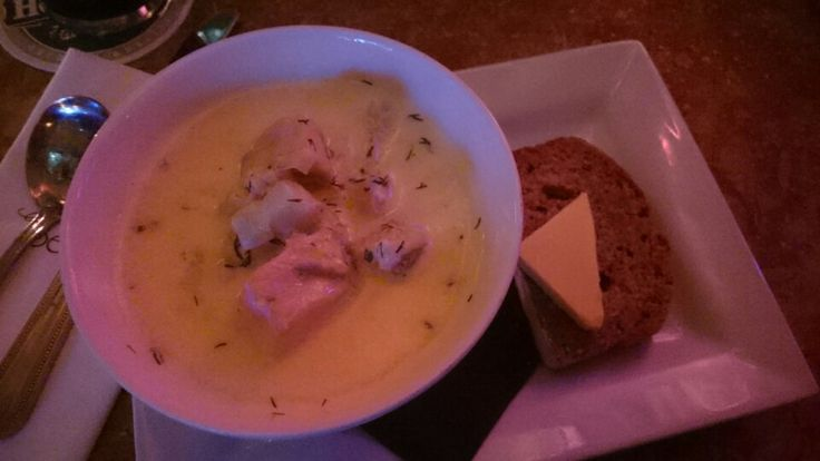 8.5/10 (€6.5): One of the best seafood chowder in city centre. A big surprise as there was only salmon but so many tasty and big pieces with a bit of cabbage and a very delicious cream. Here again usually I prefer thicker cream but the all mix is really perfect. And for only 6.5eur! I definitely recommend it and we'll be back to try it again.