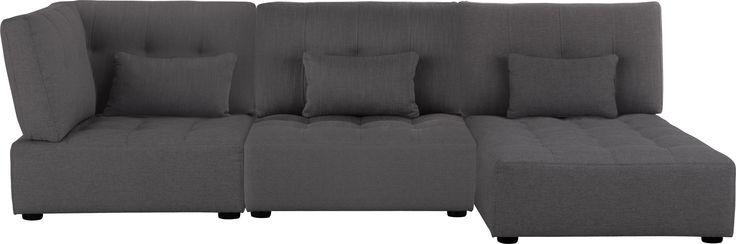 Reiko modulsofa her vist med corner unit, single unit og chaise seat. Fåes i flere gråtoner. Dimensjoner: L279 x H80 x D95 x setehøyde 34cm. Kr. 15.700,-