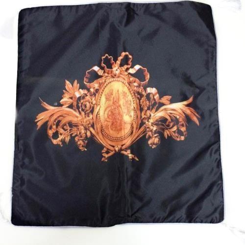 Osmanlı Turası Motifli Yastık Kılıfı Evinizin en güzel köşesini süsleyen koltuklarınızda yada yataklarınızın üzerinde kullanabileceğinizOsmanlı Turası Motifli Yastık Kılıfıkaliteli baskısı…