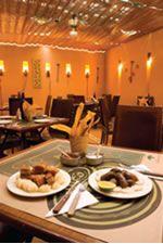 """Entre el 2008 y el 2009 me desempeñé como jefe administrativa de las sucursales de Cartagena de los restaurantes """"La Bonga del Sinú"""". Esta experiencia me permitió crecer profesionalmente y fue una gran escuela administrativa."""