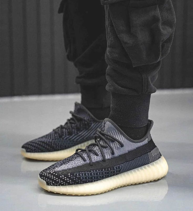 how to tell if yeezys are fake v2