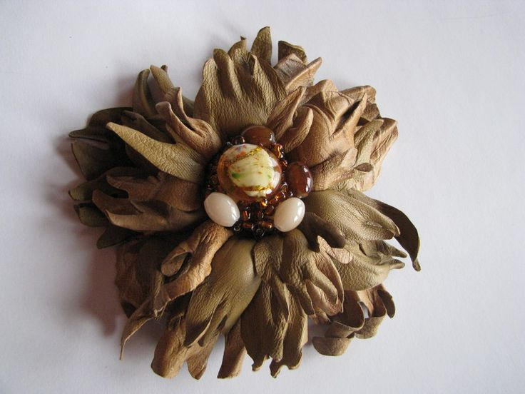 Beige leather flower fantasy w Lela Flowers na DaWanda.com