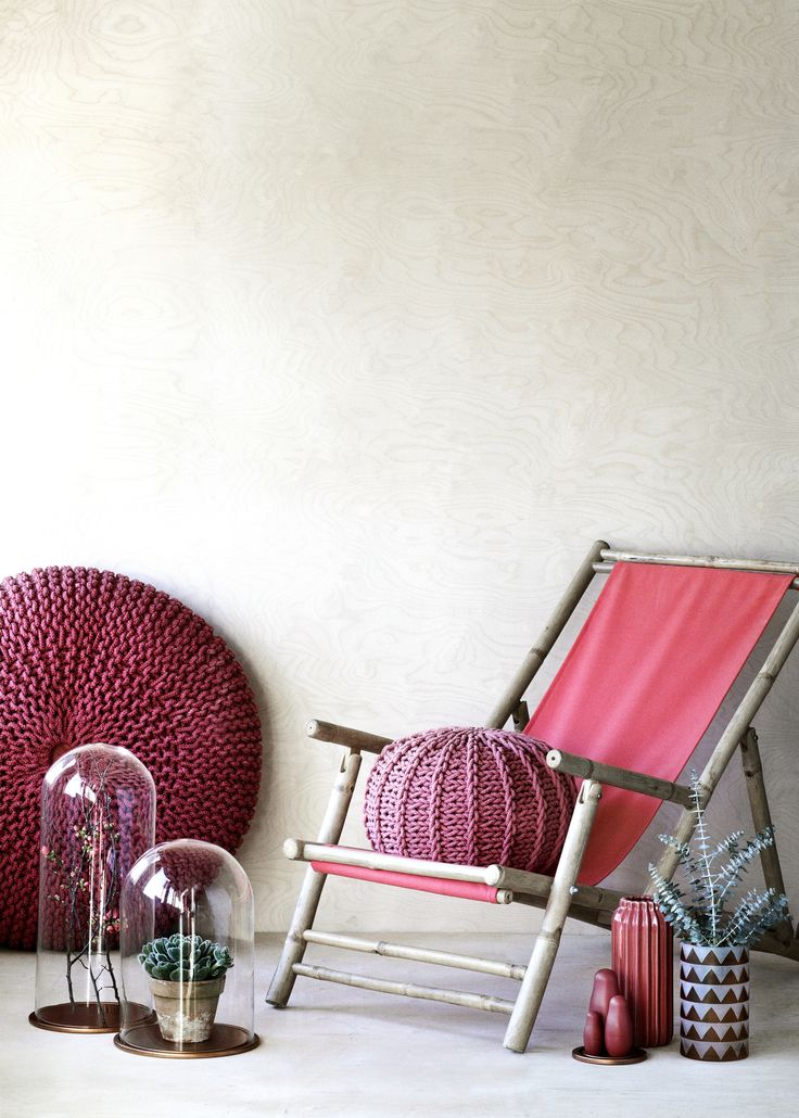 Red shades #poufs #vases