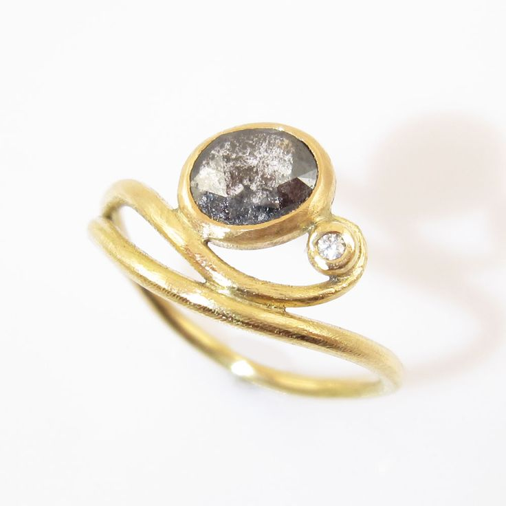This timeless design clings delicious on the ring finger and brings out the inner everyday princess in you.