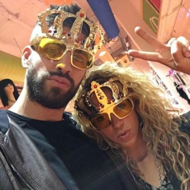 Pique and Shakira regu... Shakira Instagram