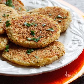 Parmesan Mashed Potato Patties (from the leftovers you have from the SKINNY Garlic Mashed Potatoes)... {Only 4 weight watcher points for 2 patties!}Yummy....