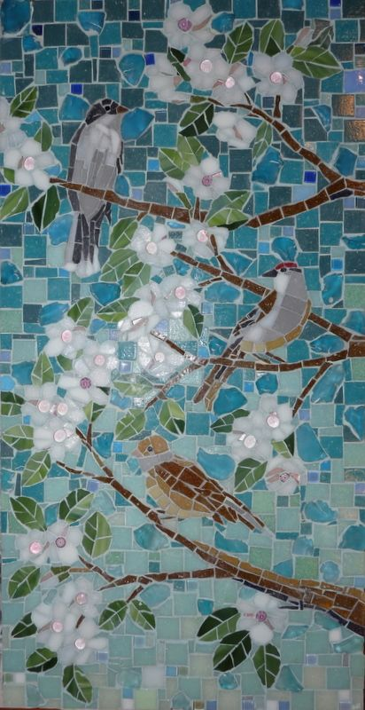 vlak in de keuken of de badkamer hiermee jaaaaaa  Birds and Blossoms          #mosaic #flowers