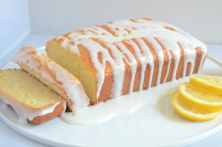 A tart yet sweet taste bursts from every bite, making our lemon loaf bread an instant classic. Made with the freshest ingredients including fresh-squeezed lemons, it is hand-made to order from scratch