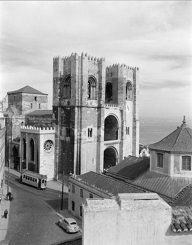 Sé de Lisboa, Portugal Fotógrafo: Estúdio Horácio Novais. Fotografia sem data. Produzida durante a actividade do Estúdio Horácio Novais, 1930-1980.