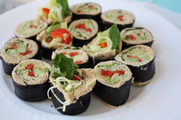 Raw veggie nori rolls with spicy ginger pate, #vegan #recipe #rawfood