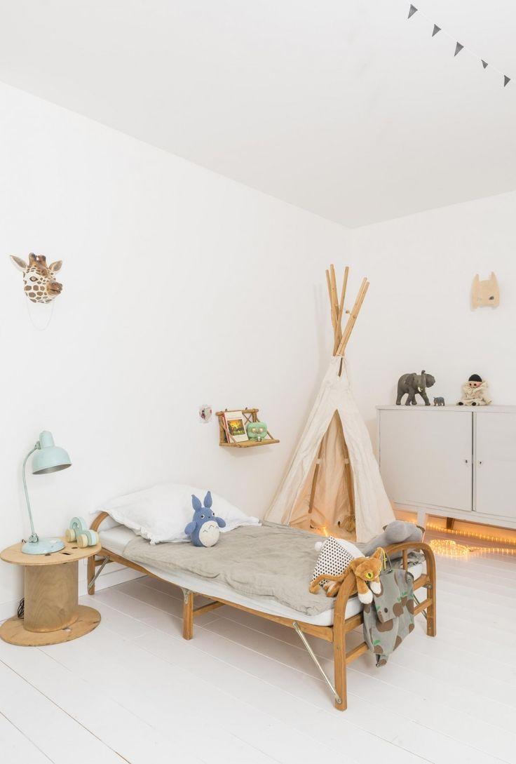 Jo Mami | Decoración habitaciones infantiles: luz, mimbre y vintage. | http://www.jomamikids.com/blog