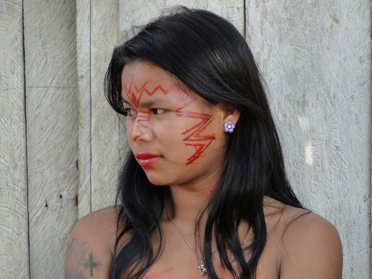 Awa-Guazha: La tribu amazónica donde las madres amamantan a los animales de la selva @alvarodabril