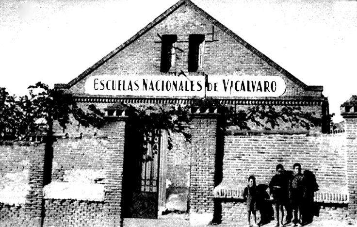 Foto de 1944 cedida por Fernando Pérez Peña, quien aprendió a leer y escribir en esta escuela, que se encontraba en Ezequiel Solana 4.